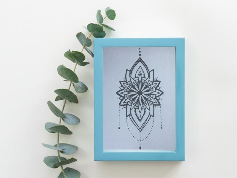 Création de mandala pour cadre décoratif fait main